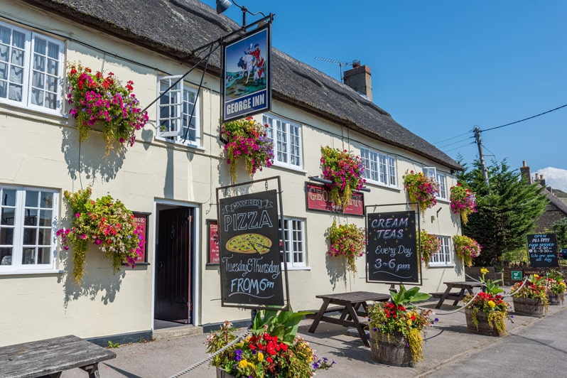 Dine Out in Style - The George Inn - Glenacres - Luxury Holiday Cottage in Seatown, Dorset